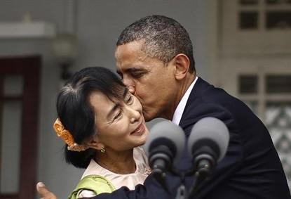 obama-kiss
